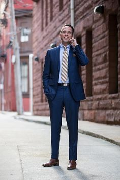 Tips For Your First Made to Measure Suit Experience
