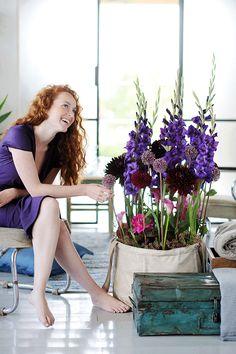 Elk seizoen heeft haar eigen soort bloemen en tijdens de zomermaanden zijn dat onder andere Gladiolen en Dahlia's. En welke bloemen je ook in de vaas zet, je krijgt gegarandeerd de zomer in je bol!