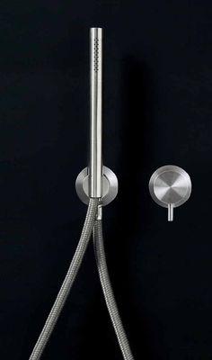 Milo + Free Ideas shower by Italian brand CEA Design.