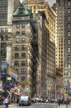 New York Life, Nyc Life, Manhattan New York, Lower Manhattan, Ellis Island, City Aesthetic, Travel Aesthetic, Empire State Building, Trinidad Y Tobago