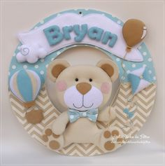 Felt Name Banner, Name Banners, Felt Crafts, Diy And Crafts, Bear Felt, Baby Deco, Baby Mobile, Diy Gift Box, Lucca