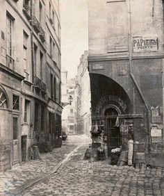 La rue des Marmousets sur l'île de la Cité en 1865 – © Charles Marville