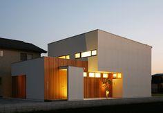 シンプル モダン 家 外観 - Google 検索 Style At Home, Entrance Lighting, Good House, Japanese House, Room Decor, Exterior, House Design, Lights, Mansions