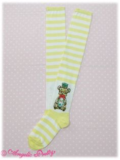 Honey Cake Border OTK Socks Honey Cakeボーダーオーバーニー BRAND: Angelic Pretty PRODUCT ID: 112KS5-7329 RELEASE YEAR: 2011 PRICE: ¥2,310 AVAILABLE COLORS: Mint, Yellow, Pink, Red, Brown x Yellow, Brown x Ivory MEASUREMENTS: Unknown MATERIALS: Fabric (56% cotton, 24% acrylic, 19% nylon, 1% polyurethane) ADDITIONAL INFORMATION: None