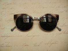 Óculos Escuros Retrô Gatinho Cinza e Marrom
