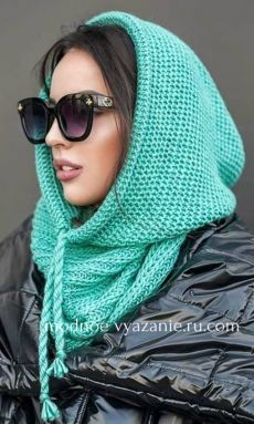 Knit/crochet a rectangle in stitches of your choice until it's a goodly size.Hooded cowl for menKnitting Patterns Men Knitted man& snipe / hat-hood with knitting needles. Crochet Hooded Scarf, Crochet Beanie, Knit Crochet, Crochet Hats, Hooded Cowl, Loom Knitting, Hand Knitting, Knitting Needles, Tricot D'art