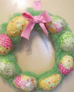 DIY Easter : DIY Fabric Easter Egg Wreath