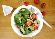 Spinatsalat mit Erdbeeren und Avocados  Spinach Salad with Strawberries and Avocado