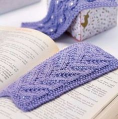 Knitted bookmark - Let's Knit
