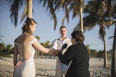 Vili es Márti - Tengerparti Esküvő | Florida, USA #menyasszony #eskuvoifoto #eskuvoszervezes #horvatorszag #marryme #laguntravel #seychelleszigetek #seychelles #óceánpart #romantika #szigetfeledezés #álomnyaralás #tengerpart #islandlife #ocean #utazás #utazásiiroda #weddinginseychelles #tengerpartiesküvő #külföldiesküvő #esküvő Miami Beach, Backless, Florida, Usa, Couple Photos, Couples, The Florida, Couple Pics, Couple Photography