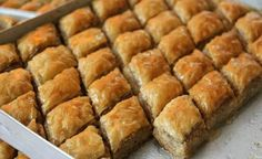 Baklava z lískového cesta, príprava tejto pochúťky trvá len 30 minút, žiadny člen rodiny jej neodolá - MegaRecepty.sk Puff Pastry Quick Recipe, Sweet Desserts, Dessert Recipes, Russian Recipes, Sweet And Salty, Hot Dog Buns, Kids Meals, Sweet Tooth, Bakery