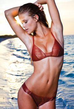 Nina Agdal bikini