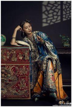 history of chinese clothing fashion - - Oriental Fashion, Ethnic Fashion, Asian Fashion, Fashion Art, Chinese Fashion, Oriental Decor, Oriental Style, Trendy Fashion, Traditional Fashion