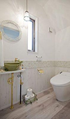 Modern residence located in Aichi Prefecture Inazawa City Corner Sink Bathroom, Vanity Sink, Clawfoot Bathtub, Powder Room, Custom Homes, House Design, Interior, Home Decor, Rest Room