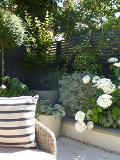 Garden Design Plans, Small Garden Design, Outdoor Landscaping, Outdoor Gardens, Garden Sitting Areas, Townhouse Garden, London Garden, Most Beautiful Gardens, Family Garden