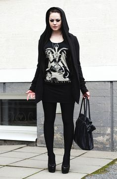 This outfit looks sick Metal Fashion, Dope Fashion, Punk Fashion, Gothic Fashion, Glam Rock, Rock Style, My Style, Indie, Grunge Goth