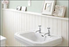 Image from http://www.cnbhomes.com/wp-content/uploads/2014/12/budget-bathroom-beadboard-ideas-56x4v.jpg.