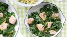 In 25 Minuten fertig: Lachs-Spinat-Pfanne mit Ebly | http://eatsmarter.de/rezepte/lachs-spinat-pfanne