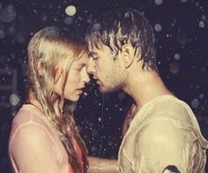 kiss me in the rain. Yep, would love that. Kissing In The Rain, Dancing In The Rain, Couple Kissing, Twin Flame Relationship, Relationship Goals, True Love, My Love, Free People Blog, Foto Art