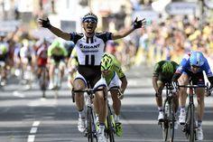 Marcel Kittel wins, Mark Cavendish crashes in stage 1 at 2014 Tour de France in Harrogate.   VeloNews.com