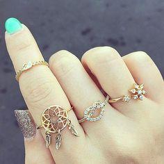 nails and rings ♥ | via Facebook