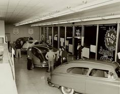Do you remember the experience of visiting your friendly neighborhood Chevrolet dealership 50 years ago? Used Car Lots, Chevrolet Dealership, Automobile, Old Gas Stations, Old School Cars, Vintage Cars, Vintage Auto, 50s Vintage, Old Cars