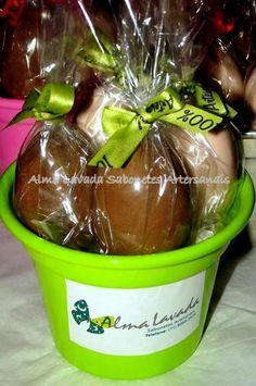 Sabonete Ovos de Chocolate!!! Excelente hidratante e um presente inovador para as pessoas que vc quer bem!!  São embalados individualmente e finalizados com fita de cetim.  Consulte outras opções de embalagem e valores para qde maiores. R$ 7,70