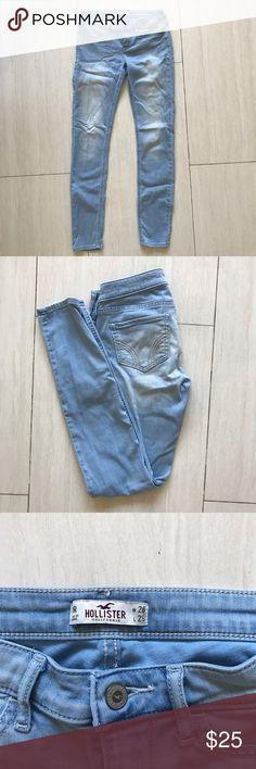 Hollister light blue skinny jeans low rise Hollister light blue skinny jeans low rise. In good condition. Make an offer, always negotiable!! Hollister Jeans Skinny