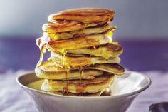 RESEP: Pap-plaatkoekies Breakfast Dishes, Fritters, Doughnuts, Recipes, Yum Yum, Bucket, Food, African, Treats