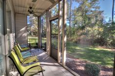 Screened patio: Golf course view. Enjoy a coffee in the morning or a glass of wine in the evening
