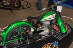 Going green has never looked better. This 1960 Harley-Davidson Super Ten was a hands-down winner. | San Mateo IMS Ultimate Bike Builder, 1st Place Retro MOD Class: Dana Miccer and Mutt Hallam-Hummer