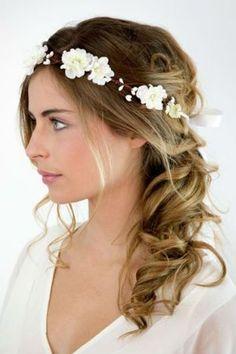 Wedding Crown of white flowers Elsa: Hair accessories by nuagecol Casual Hairstyles, Crown Hairstyles, Bride Hairstyles, Bridal Headpieces, Bridal Hair, Mid Length Hair, Wedding Hair Pieces, Fine Hair, Flowers In Hair