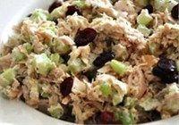 Salade thon, canneberge, céleri, aneth