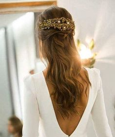 10 Most Amazing Wedding Hairstyles To Look Stunning During Your Weddings Wedding Robe, Wedding Hair Down, Wedding Dresses, Bride Hairstyles, Down Hairstyles, Hair Inspiration, Wedding Inspiration, Stunning Dresses, Wedding Beauty