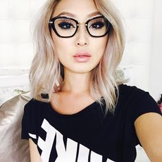 Here's Why All Your Asian Girlfriends Are Going Blond Makeup, Beauty, Hair & Skin Cute Glasses, Girls With Glasses, Glasses Frames, Fashion Eye Glasses, Cat Eye Glasses, Asian Makeup Glasses, Blonde Asian Hair, Sophia Chang, Lunette Style