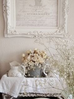 Easygoing Shabby Chic home decor Take a closer look Shabby Chic Mode, Shabby Chic Vintage, Shabby Chic Interiors, Shabby Chic Bedrooms, Shabby Chic Style, Shabby Chic Furniture, Shabby Chic Decor, Vintage Romance, Vintage Country