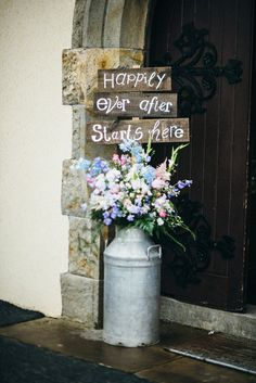 cute rustic flowers and signage| www.onefabday.com