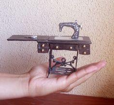 Kiantei Miniaturas: Sewing machine with table (tutorial) - Spanish