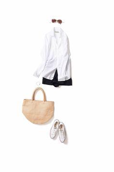 A sense of openness in summer. Wearing a monotone to the natural / Coordination details / Kyoko Kikuchi's Closet Fashion Mode, Tomboy Fashion, Minimal Fashion, Daily Fashion, Love Fashion, Fashion Outfits, Womens Fashion, Resort Casual, Summer Outfits
