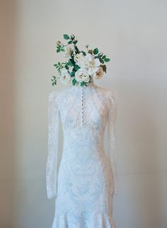 A touch of vintage for a winter bride.