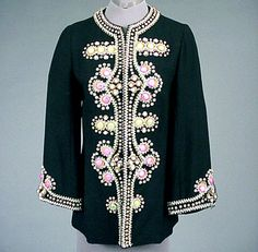 Molyneux Jeweled Summer Jacket for Sale at Auction on Wed, - - Couture, Textiles and Accessories Gowns Of Elegance, Elegant Gowns, Vintage Vogue, Vintage Fashion, Conservative Outfits, Make Do And Mend, Summer Jacket, Vintage Couture, Cardigan Fashion