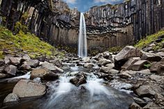 Svartifoss in Skaftafell National Park, Iceland     https://maps.google.com/maps?q=Svartifoss=en=UTF-8=eVWQUcmcBve54AOvpYCABg=0CAsQ_AUoAg
