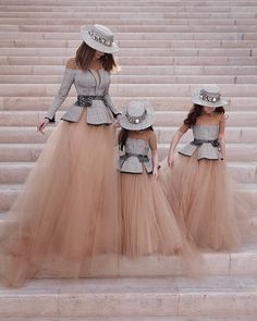 & Daughters Mother with her Daughter with her mother and baby Mommy Daughter Dresses, Mother Daughter Fashion, Mother Daughters, Mother Mother, Paris Chic, Fashion Kids, Fashion Fashion, Fashion Trends, The Dress