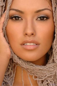 beautiful make-up jaimelemaquillage...when need be Lorraine the makeup artist will do luv