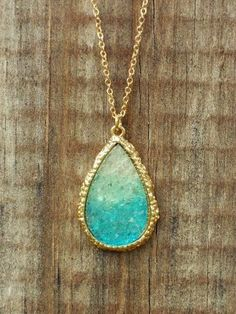 Ombre Dream Catcher Druzy Necklace my-style Jewelry Box, Jewelry Accessories, Fashion Accessories, Fashion Jewelry, Jewlery, Glass Jewelry, Jewelry Stores, Gold Jewelry, Fine Jewelry