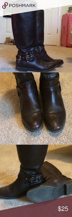 Tommy Hilfiger knee high boots, 7.5 size About 4 years old, haven't been worn in over a year, not my style anymore. Great condition for how old they are, few scuffs on the toe but nothing too bad. Originally $120. Tommy Hilfiger Shoes Winter & Rain Boots
