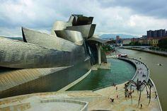 Museo Guggenheim proyectado por el arquitecto Frank O. Gehry en Bilbao.