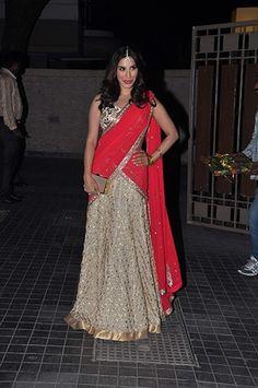 Soha Ali Khan's Wedding Reception - Amrita Arora in pink and gold Shantanu & Nikhil - Indian wedding fashion - Indian celebrity wedding - Indian wedding guests #thecrimsonbride
