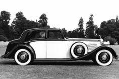 This is the dream car. Rolls Royce Phantom II Continental Sports Saloon by Barker Vintage Cars, Antique Cars, Vintage Diy, Vintage Ideas, Retro Cars, Vintage Designs, Vintage Rolls Royce, Automobile, Coach Builders