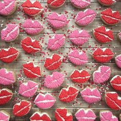 Sending kisses to all my cookie friends. Hope you guys are hanging in there!! 💋💋💋